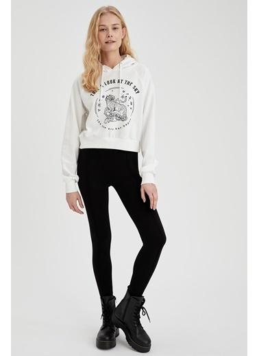 DeFacto Kapüşonlu Baskılı Crop Sweatshirt Beyaz